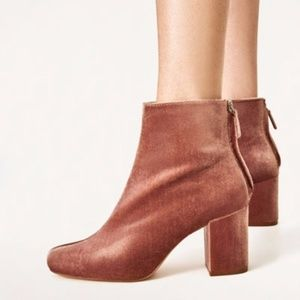 Zara High Heel Velvet ankle boots blush pink 6.5